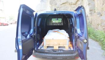 NYTTELAST: Nesten 600 kilo med nyttelast er bra for en bil med 2-tonns totalvekt.