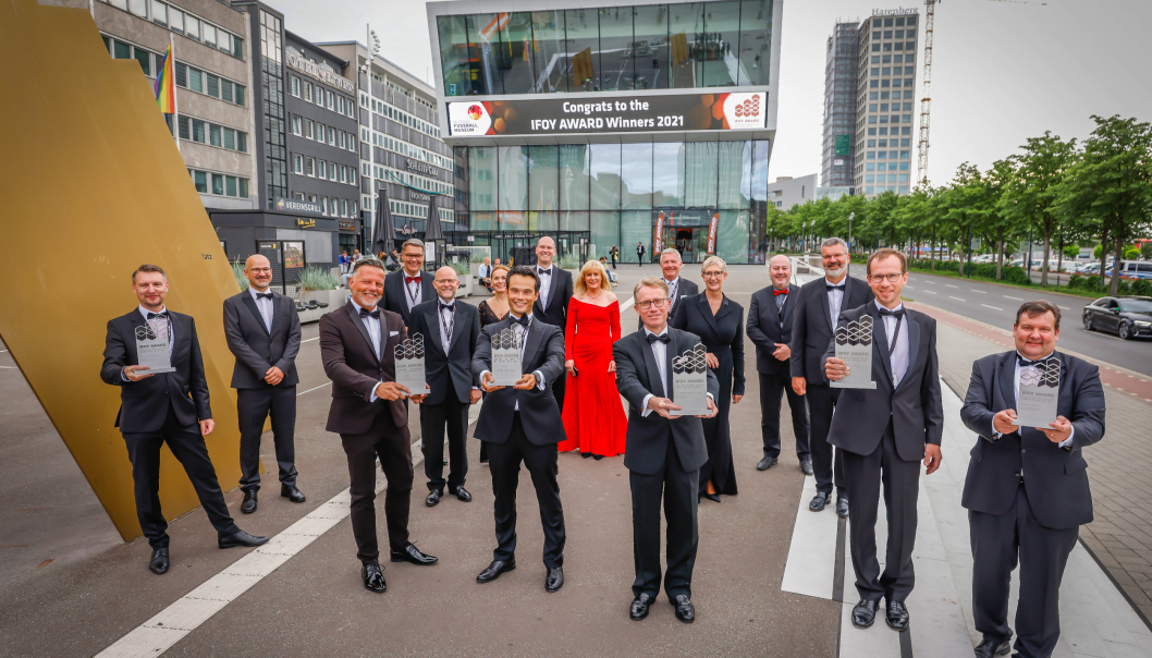Ifoy-vinnerne ble hedret under en seremoni i Fotballmuseet i Dortmund i juli.