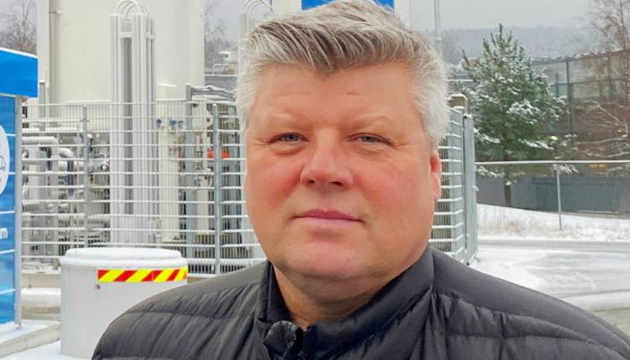 SATSER: John Melby i Gasum håper å kunne tilby langt flere fyllestasjoner for flytende biogass i løpet av få år.