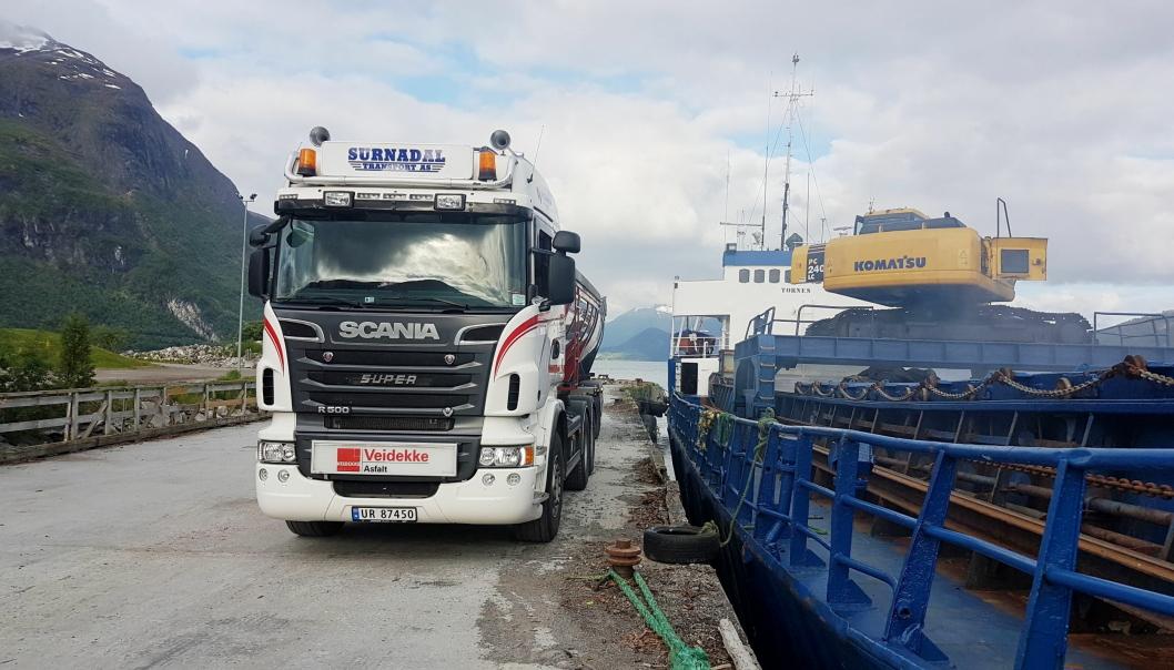 FULL KONTROLL: Surnadal Transport har tatt i bruk Collector Pro fra Zeekit i samarbeid med Veidekke på sin asfalt kjøring.