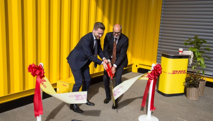 KLIPPET OG KLART: Klima- og miljøvernminister Sveinung Rotevatn foretok den offisielle åpningen sammen med administrerende direktør Terje Aarbog.