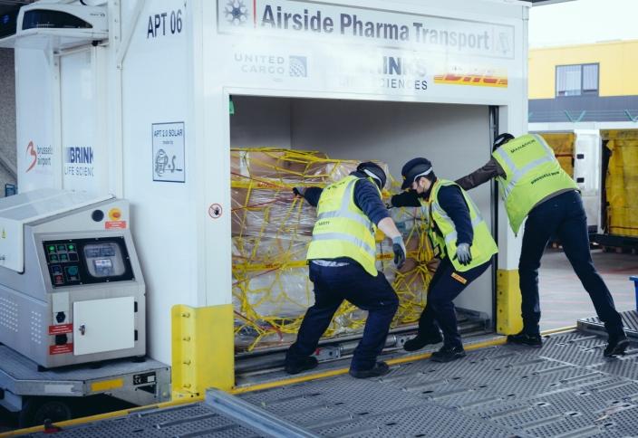 SENTRAL AKTØR: DHL Express er sterkt involvert i frakt og distribusjon av Covid-19 vaksiner til Norge