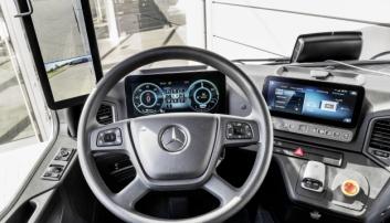 INTERIØRET: eActros får den digitale cockpiten fra Mercedes sammen med speilkamera som standard.