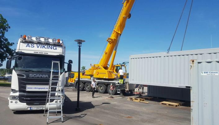 GOD PLANLEGGING: Det å få med farlig gods, særlig på fly eller egne containere fraktet sjøveien kan være en utfordring. Men Kongsberg Maritime finner løsninger også på dette.