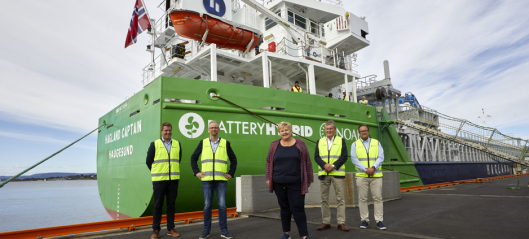 Lanserer verdens første hybride frakteskip