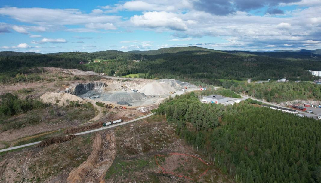 Anleggsarbeidene er i gang i det kommende industriområde i Bamble kommune.