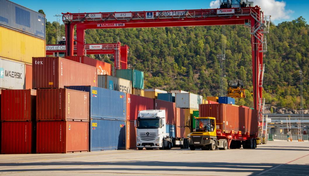 Tor Arne Borge etterlyser mer politisk og helhetlig styring av transportsektoren i Norge. Her fra containerterminalen i Oslo.